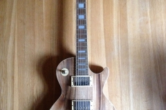 Walnut Les Paul Guitar